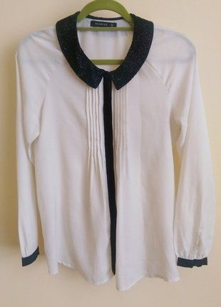 Kup mój przedmiot na #vintedpl http://www.vinted.pl/damska-odziez/koszule/17916428-bialo-kremowa-koszula-marki-reserved-z-czarnym-ozdobnym-kolnierzykiem-i-czarnymi-lamowkami