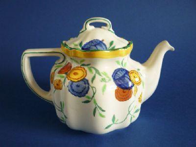 Royal Doulton 'Rossetti' Teapot D4738 c1928