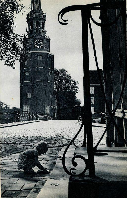 1958. Montelbaantoren on the Oude Schans, Amsterdam. Photo Ed van Wijk. #amsterdam #1958 #Montelbaantoren
