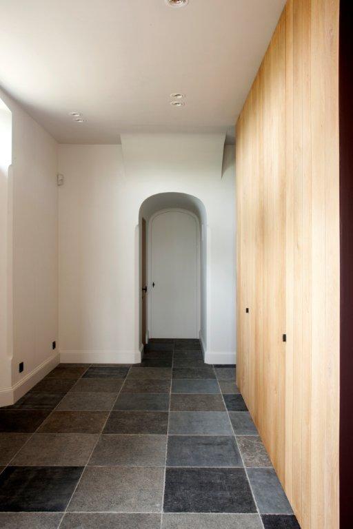 Kastenwand plavuizen het atelier interieur hooglede for Interieur landelijk