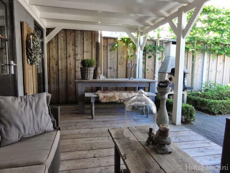 Onze veranda zijn jullie ook allemaal zo aan het genieten van het mooie weer heerlijk de - Deco massief buiten ...