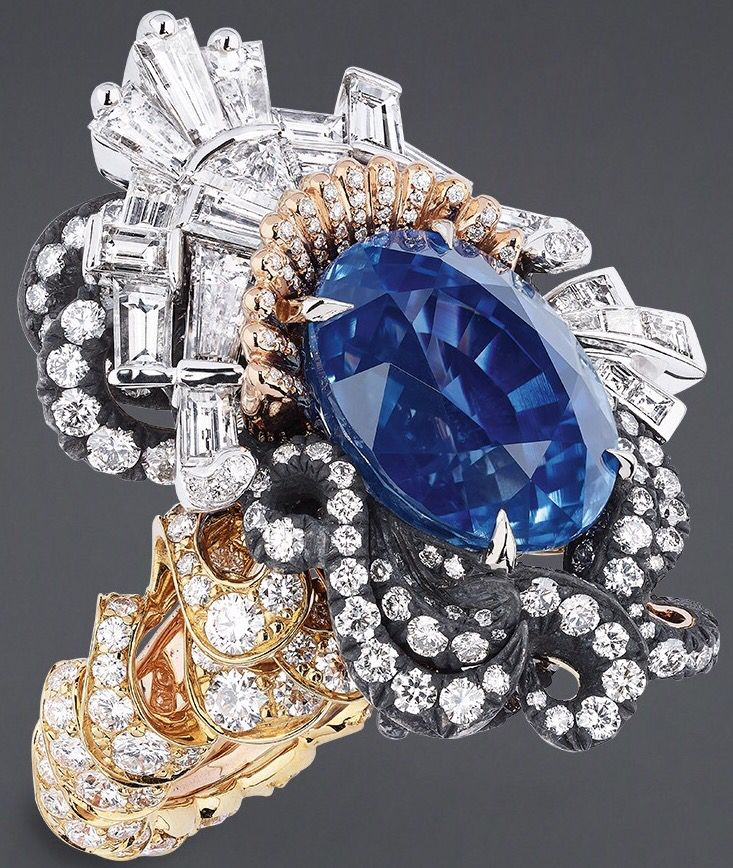 """DIOR. """"Appartements de Mesdames Alcôve"""" ring in yellow gold, scorched silver…"""