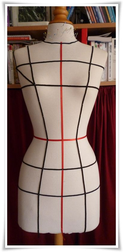 [Key referenace lines marked on a dressform] from a blog post in French on this blog: sbcreations.unblo... the post shows the blogger practising draping a bodice and skirt on her dressform too.
