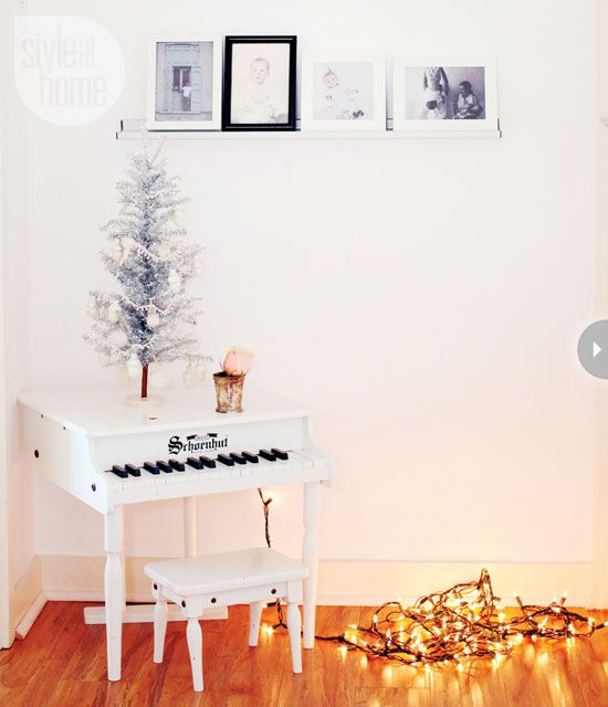 petite piano in white