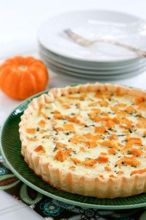 An easy savory pumpkin quiche recipe with roasted pumpkin chucks.