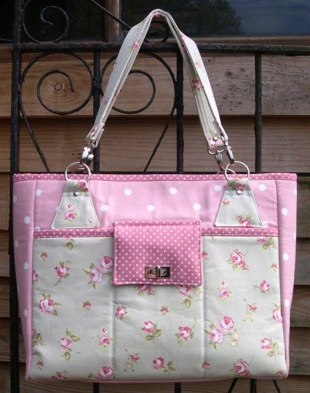 The Stow-It-All Bag Sewing Pattern from Chris W Designs - My New Tote!