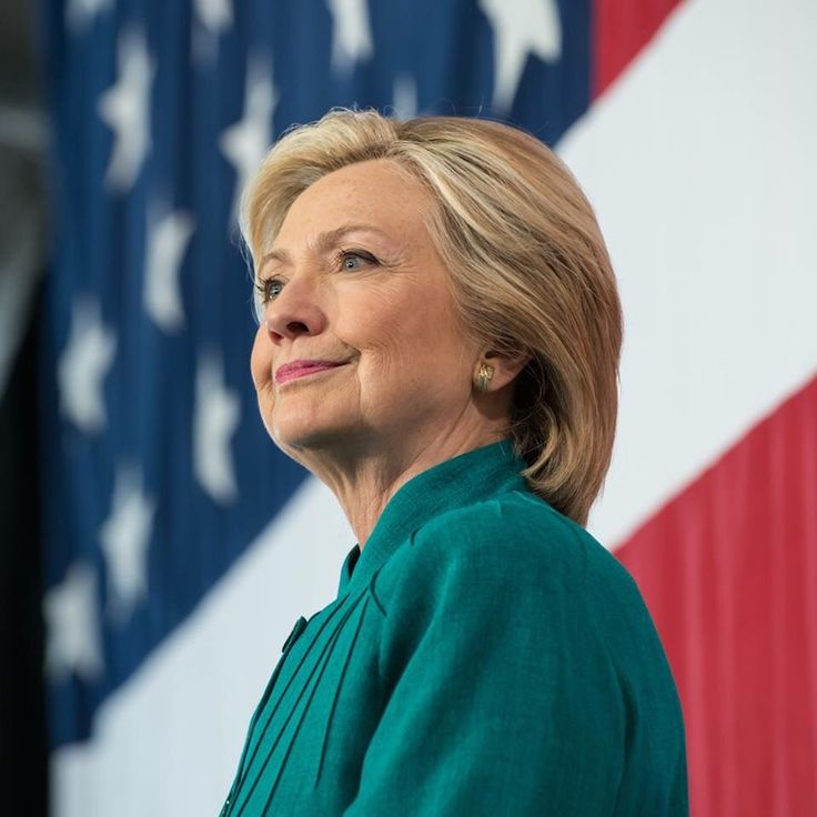 One-fourth of republicans now say they'll vote for Hillary Clinton over Donald Trump http://www.dailynewsbin.com/news/one-fourth-of-republicans-now-say-theyll-vote-for-hillary-clinton-over-donald-trump/24183/