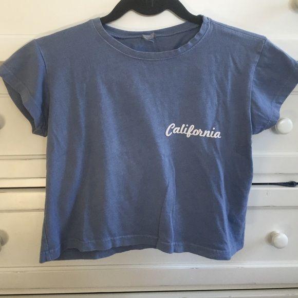 Remera de algodón simple y linda, que se puede combinar con un leggin, un short de jean o un jean