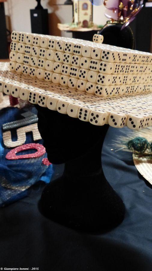 """Name of the hat: """"Gaming hat"""" !  Titolo dell'opera: 'Cappello da gioco' !!  Author: Giuliano De Minicis.  #HatsDistrict"""