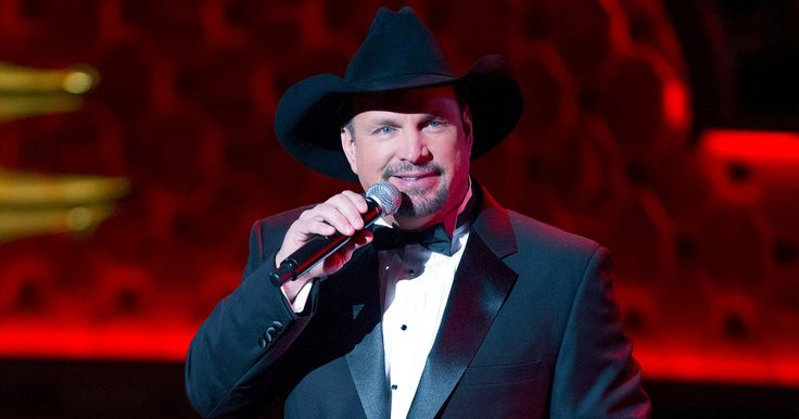 Garth Brooks Meets One of His Biggest Fans—in Outer Space