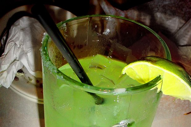Green Bay Packers Margarita Recipe. I will be drinking a few of these this season!!!!