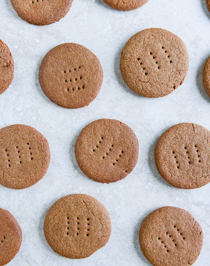 Pin for Later: 23 Alton Brown Recipes You Have to Try ASAP Homemade Graham Crackers Get the recipe: homemade graham crackers