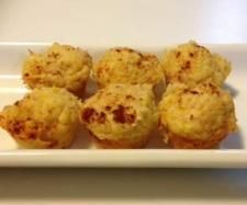 Recipe Cheese, corn and bacon muffins by Laura Hurley - Recipe of category Baking - savoury