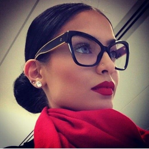 Photographs to show you how to look stunning and sexy wearing glasses for girls. Many photos of women wearing glasses and looking gorgeous. How to choose the right type of glass frame for women.