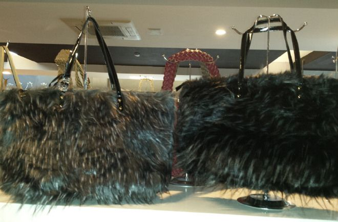Ladies Faux Leather and Fur Shoulder Handbag borsa pelliccia Beutel sac 57,18 € su www.bandana.it