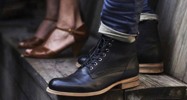 Модная мужская обувь осень-зима 2017-2018 не заставит Вас ломать голову в выборе. Изобилие моделей позволит без труда выбрать пару сапог или ботинок...