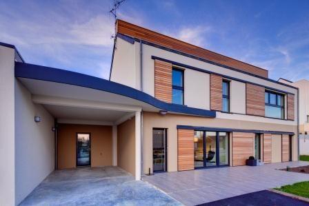 Plus qu'un métier, notre métier de constructeur de maison est une responsabilité, c'est pourquoi nous avons conçu et construit cette maison passive pour donner un exemple de maison de demain