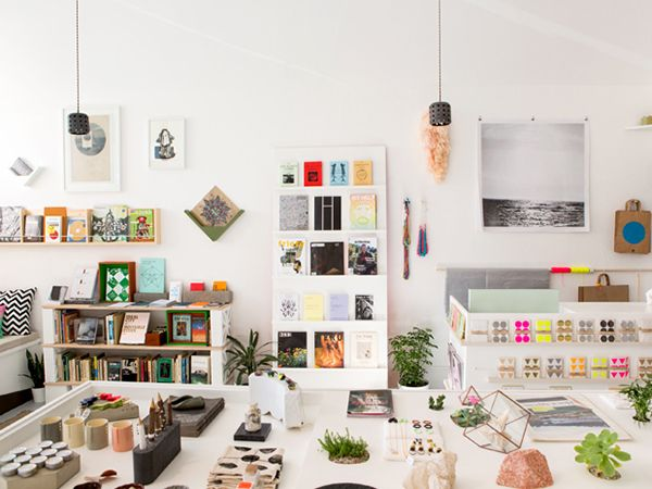 Little Paper Planes stocks modern homewares and accessories for the discerning shopper. Owner Kelly Lynn Jones takes pride in assisting her artists' development through publishing, curatorial and licensing projects. #etsy #cityguide #sanfrancisco