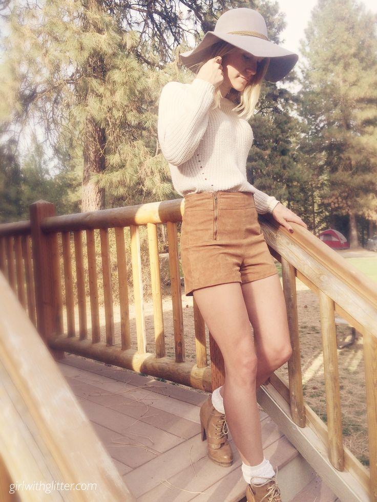 Super cute Oktoberfest outfit. girlwithglitter.com