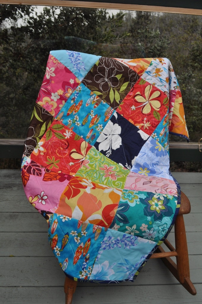 Bright Hawaiian print patchwork quilt by zenhensart on Etsy, $45.00