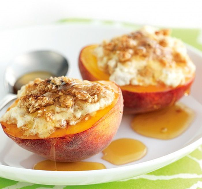 Baked Peaches with Ricotta My girlfriend is going to smoosh over this.