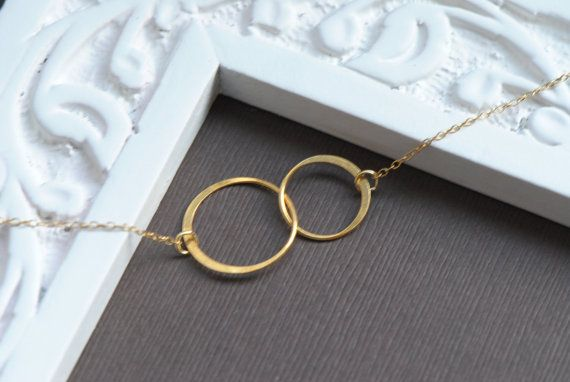 Interlocking Circles Necklace in 14k GOLD by SilverLotusDesigns. This could be a great Best Friends necklace :)