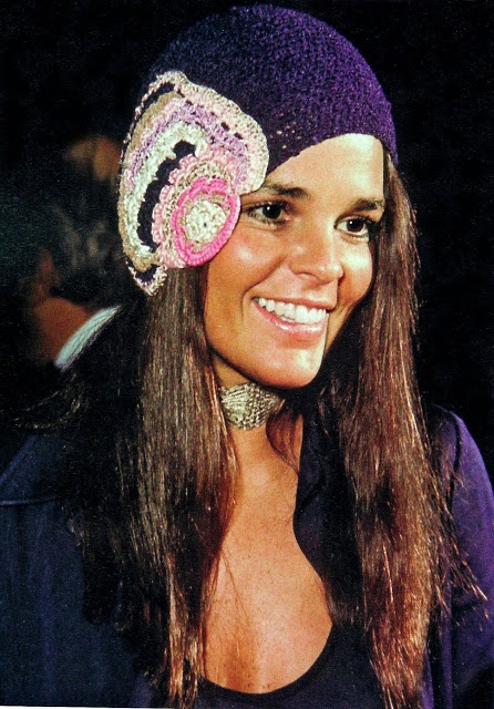 #Hippie #chic #70s! Love them! More iconic moments at http://www.clubfashionista.com/2012/11/hippie-chic-70s.html. #alimacgraw