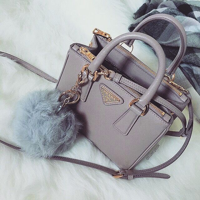 tyffiii.•.♡ Follow me on IG at stef.s_style for daily fashion lifestyle updates of myself handbags wallets - http://amzn.to/2jDeisA