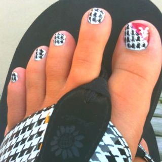 "~For ALL my Bama fan ""Friends""...my LOVE for KOOL toe-nail art TRUMPS my dislike of your team! CHALLENGE to my Bama friends: CAN YOU MAKE UR TOES LOOK LIKE THESE?? Homemade PRIZE for the CLOSEST! So DO em UP girlz(or gents) & DONT FORGET to TAG me in YOUR PIC! Must have PROOF its you & NOT a copy job!! HAVE FUN~Ley~"