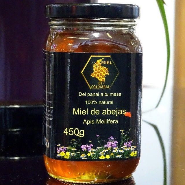 Las mieles son distintas entre si por que proceden de especies vegetales distintas. Su sabor, color y aroma son carateristicos, tambien lo son sus cualidades. La milflores o multifloral tiene origenes florales variados y suele estar asociada a la zona geografica donde se cosecha. Miel de colombia ofrece productos con unos altos estándares de calidad, su miel 100% Natural es gran fuente proveedora de salud y belleza, 3012020777 - 3117402833