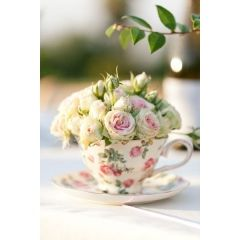 Una forma nueva de utilizar estas delicadas piezas en la decoración de boda.