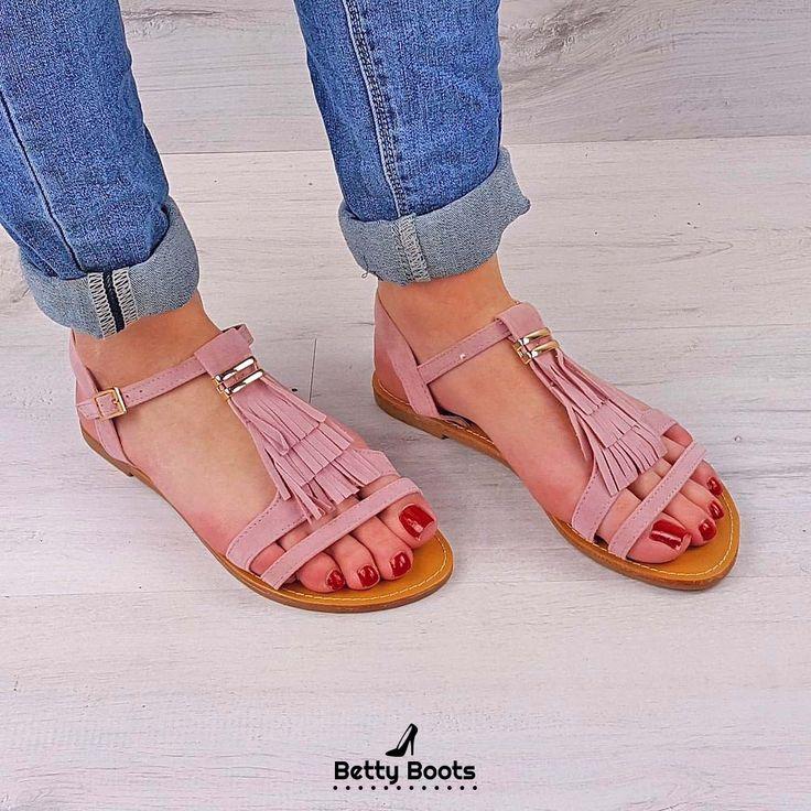 les 25 meilleures id es concernant sandales avec frange sur pinterest sandales turquoises. Black Bedroom Furniture Sets. Home Design Ideas