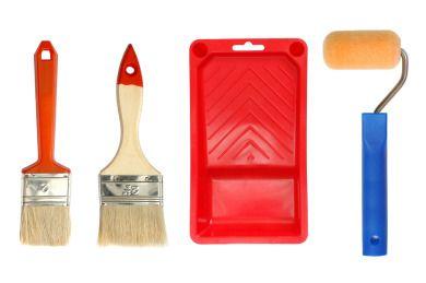 Consejos para pintar la madera: En cuanto al estilo de pintura para madera tenemos que mencionar las que sean de vinilo o laca. La de vinilo se puede aplicar con brocha o pincel mientras que la pintura de laca es mejor aplicarla con una pistola neumática.
