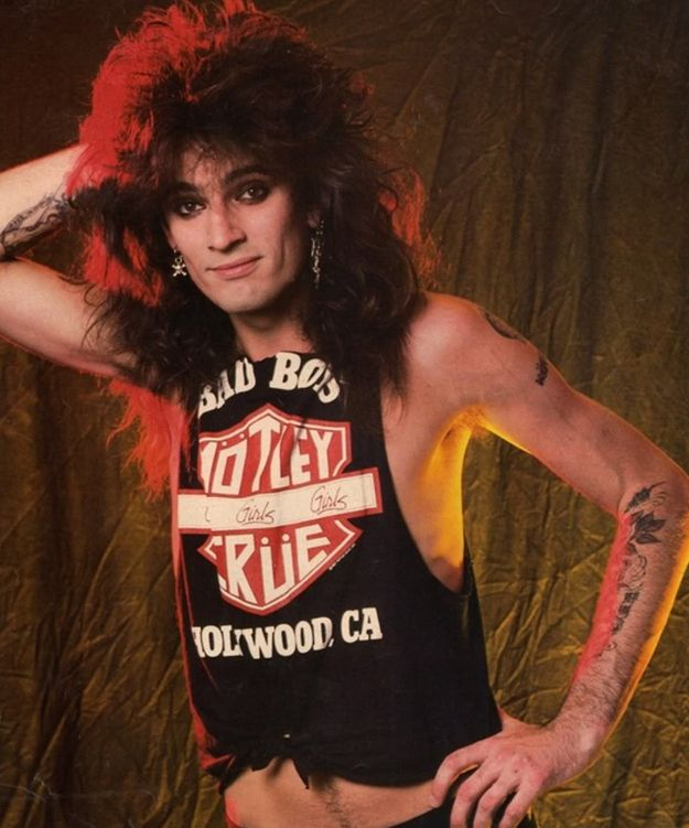 The 50 Hottest, Most Glamorous Photos Of Tommy Lee In The '80s. Honestly, I LOVE THEM ALL!!!
