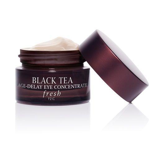 Black Tea EAge- Dely Eye Concentrate. Los beneficios del te negro en dosis ideales para reducir líneas de expresión y suavizar la piel del contorno de los ojos. #SpringCollection #Sephora #Fresh
