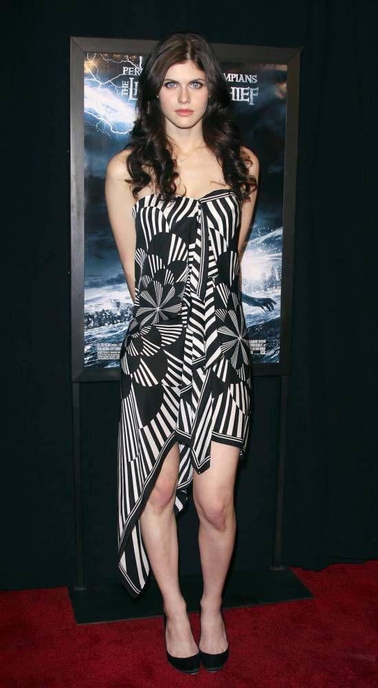 a5cdb7226467275.jpg - Alexandra Daddario Flashback! (Percy Jackson Premiere NYC 2010)