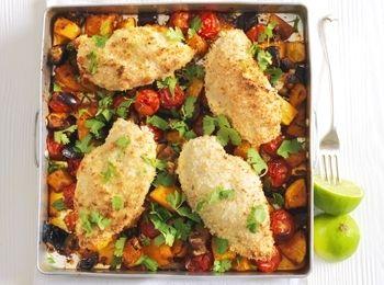 Pui cu cocos în stil thailandez Savurează un alt fel de pui pane, mai sănătos, servit cu belşug de legume. reţete cu vinete, Reţete cu coriandru, Fara lactoza, Thailandeza, Reţete cu roşii cherry, Cina, Pentru familie, Rețete ușoare și sănătoase, Reţete cu dovleac, Reţete cu legume, Reţete cu curry, Reţete cu cocos, Reţete cu pui