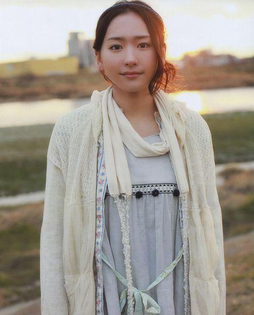 """kawaii-sexy-love:  Yui Aragaki 新垣結衣  torefurumigoyo:  新垣結衣  """