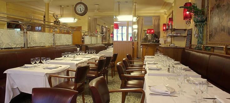Au Boeuf Couronné. Une institution Parisienne de la viande près des anciens abattoirs de La Villette.