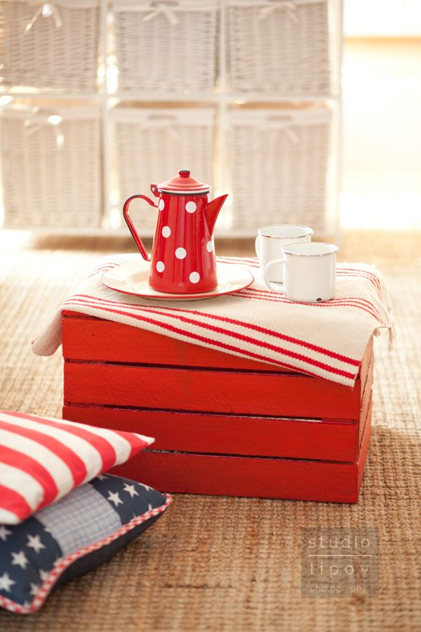 118 best decorating with apple wooden crates images on for Diy apple boxes