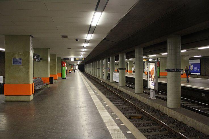 Die U-Bahnstattion Waterloo der Stadtbahn Hannover/Hannover. Hier verkehren die Linie 3,7,9 und sowie die Nachsternlinie 10 zum Hauptbahnhof. Die Station wurde als erste Station nach 10 Jahren Bauzeit (1965-75), am 26.09.1975 in Betrieb genommen.