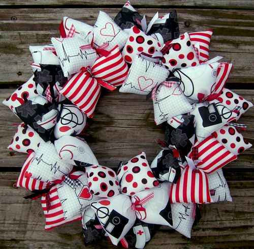 SooBoo Designs is delighted to be able to offer you nurse themed wreaths! These make great gifts for birthday, Christmas, holiday, or hey!...for that new nursing student you know! Patterns include a b