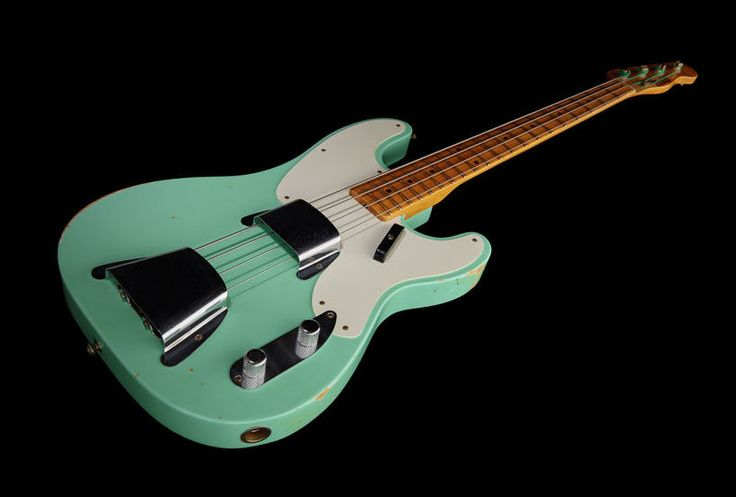 Fender 51 - P-Bass Relic Surf Green - Thomann UK