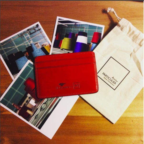 #atelierparticulier #portecartes #cardholder #cuir #rouge #photo #picture #polaroid #pochon #bobine #atelier #luxe #madeinFrance #madeinItaly