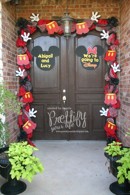 a cute way to announce an impending trip....but I think the garland would be so cute for a birthday party too!!!