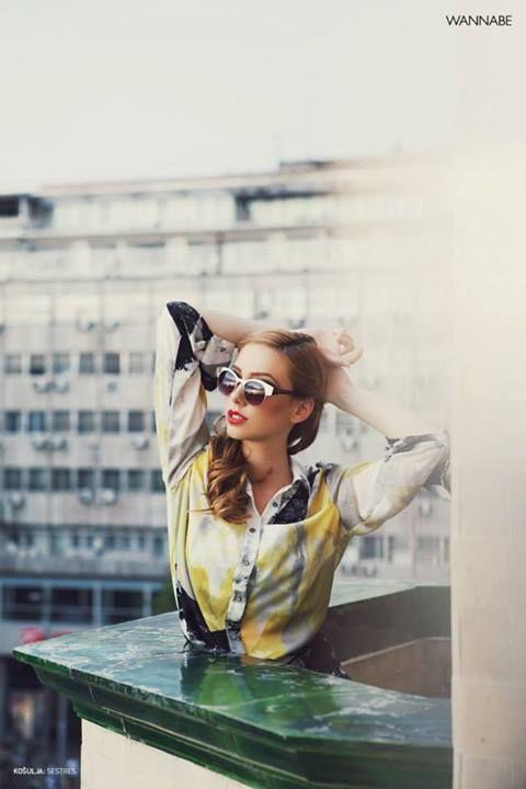Fotograf: Danilo Vasić Asistent fotografa: Katarina Sharon Macut Stilista: Tijana Žunić Šminker: Tijana Mitić Frizer: Aleksandra Jeremić, I…S… Studio lepote Model: Sofija Bjegović Mesto snimanja: Hotel Moskva