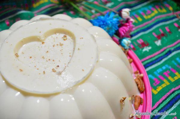 Aprende a preparar gelatina de elote con esta rica y fácil receta. El elote es uno de los ingredientes más característicos de la gastronomía tradicional mexicana,...