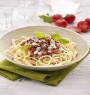 Pasta met tofu gehakt, basilicum en look: met onze handige vegetarische recepten zet je snel een lekkere en evenwichtige maaltijd op tafel. Probeer het eens!