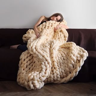 But look how snuggly! | These Giant Knitted Blankets Are The Answer To Your Winter Prayers