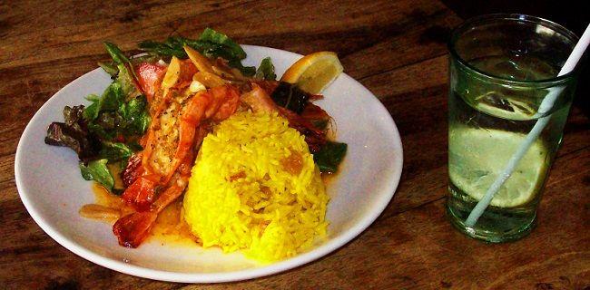 Um restaurante que homenageia ninguém menos que Nelson Mandela inova oferecendo aulas de gastronomia saudável para crianças. Saiba mais no post: